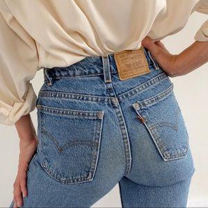 Vintage Levis Medium Wash Mom Jeans